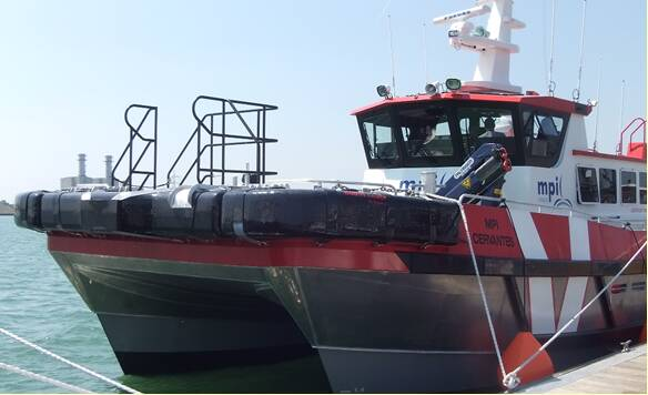 Equipements de Vedettes - MPI Fleet - WFSV Cervantes with Ocean 3 Bow Fender with Nipple