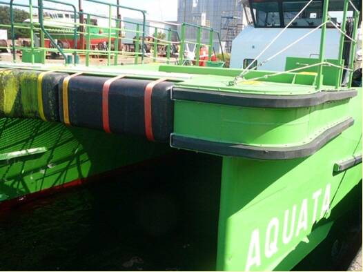 Equipements de Vedettes - Aquata - detail of Ocean 3 Bow Fender