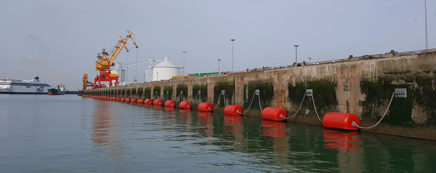 Foam Filled Fenders - Manufacturing & Repair of 30 Foam Fenders Ø 2,0 x 4, 0 m - CALAIS Harbor