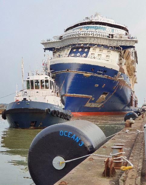 Ocean 3 Foam Filled Fenders Ø 3 m x 4,5 m - Chantiers de l'Atlantique 01