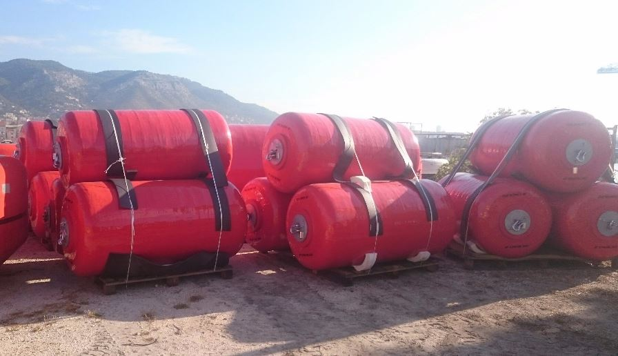 Foam Filled Fenders - 18 Fenders Ø 1,5 m x 3,0 m - Naval Basis of Toulon 01