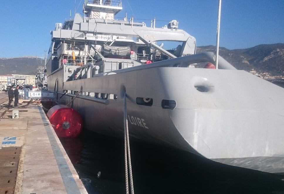 Foam Filled Fenders - 18 Fenders Ø 1,5 m x 3,0 m - Naval Basis of Toulon 02